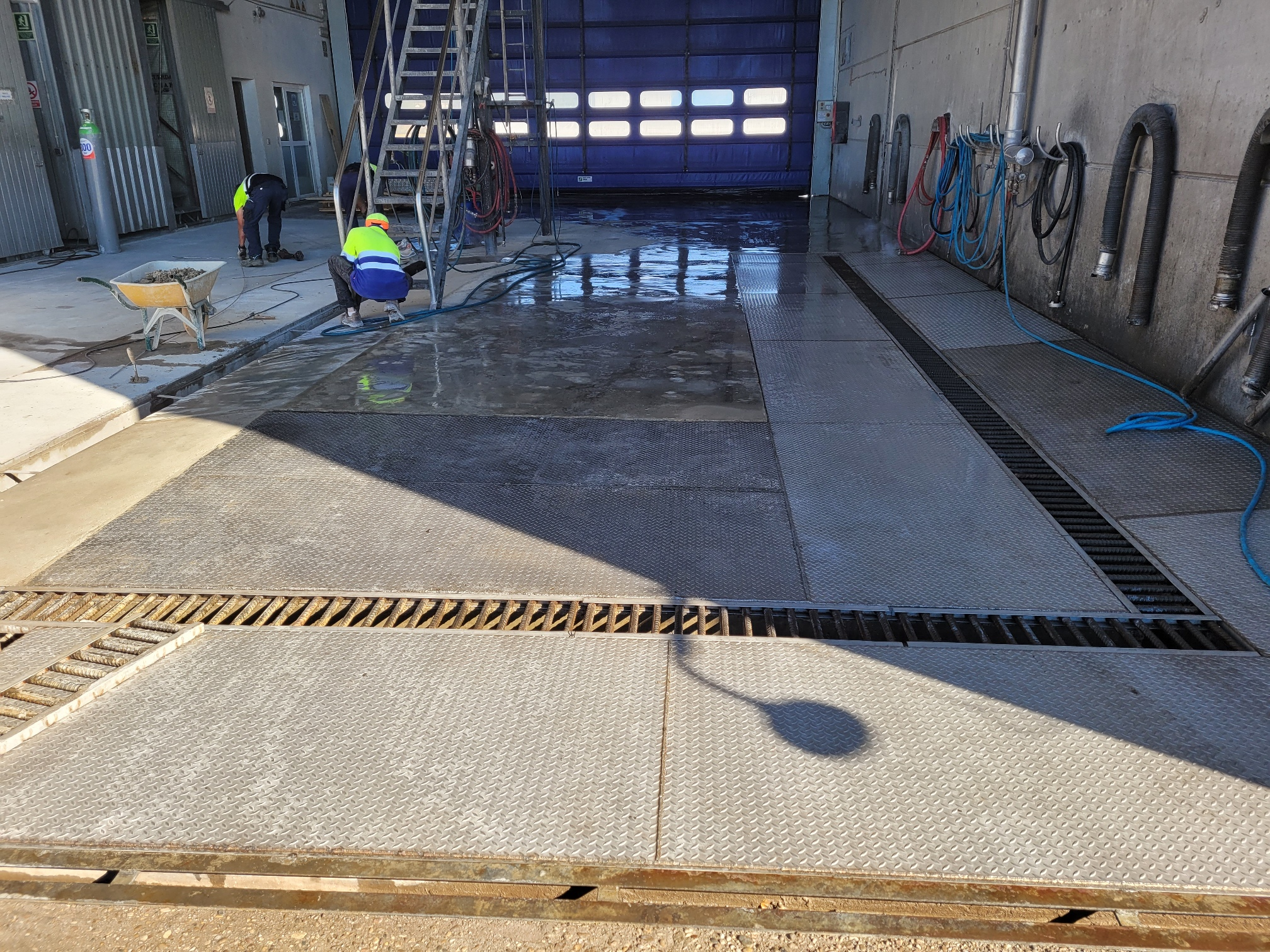 Improving bays of tank cleaning in Seseña