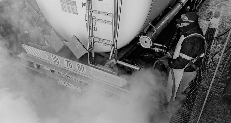 Limpieza profesional de cisternas de camiones